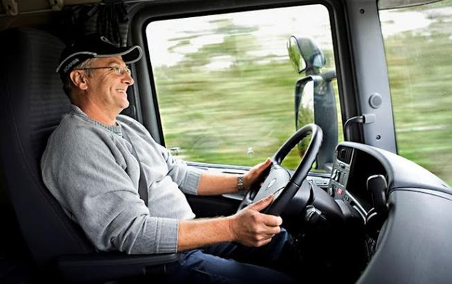 Resultado de imagem para caminhoneiro